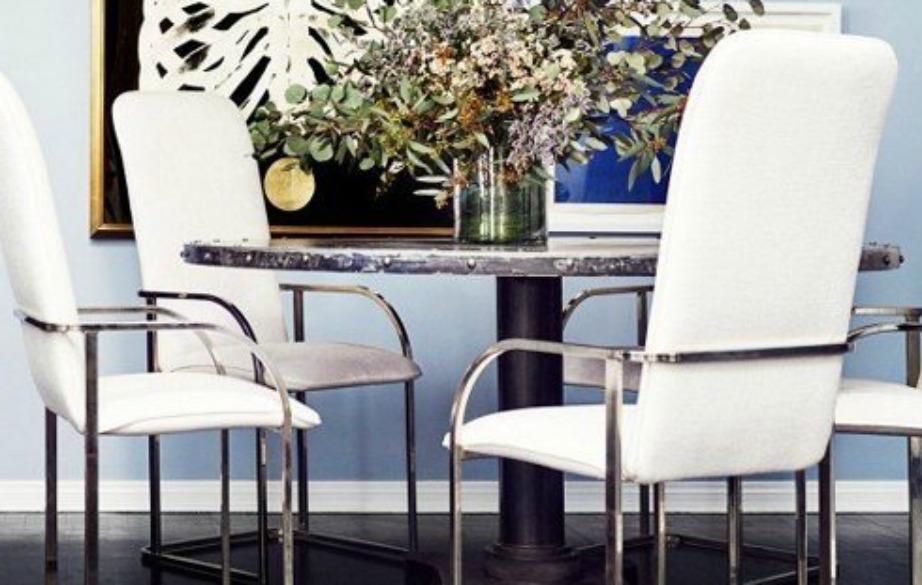 Το χρυσό και το μάυρο είναι δύο χρώματα που χρησιμοποίησε πολύ η ηθοποιός αλλά επένδυσε και σε μερικά όμορφα βάζα με εντυπωσιακά λουλούδια