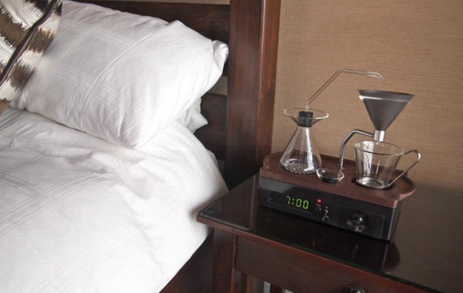 Με αυτό το gadget θα μπορείτε να έχετε ζεστό καφέ πριν καν σηκωθείτε από το κρεβάτι.