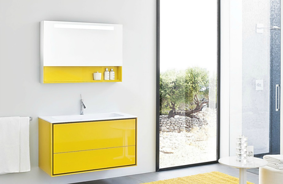 Εναλλακτικά, μπορείτε να χρησιμοποιήσετε το ντουλαπάκι του μπάνιου για να δημιουργήσετε εκεί ένα αυτοσχέδιο κουτί πρώτων βοηθειών βάζοντας τα απαραίτητα φάρμακα