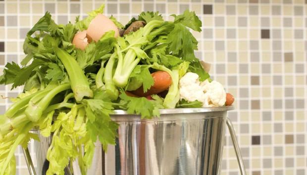 Εξαφανίστε Εύκολα την Επίμονη Μυρωδιά του Φαγητού από το Σπίτι!