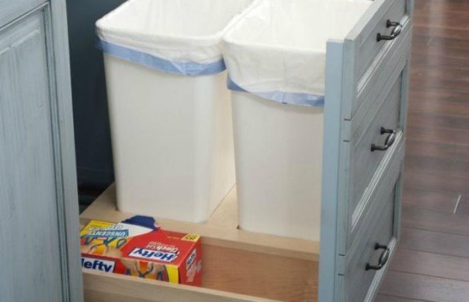 Βάλτε τους κάδους μέσα στα ντουλάπια σας