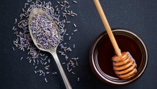 8 Πανέξυπνοι Τρόποι για να Αξιοποιήσετε το πιο Χρήσιμο Ανοιξιάτικο Βότανο!