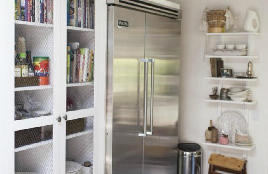 Μπορείτε αν βάλετε τα βιβλία σας μέσα σε ντουλάπια ή σε κάποιο συρτάρι