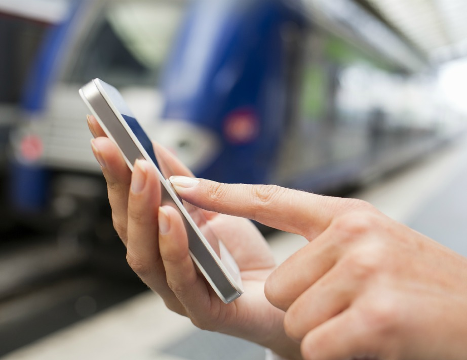Πετάξτε παλιά κινητά και θήκες που δεν σας είναι πια χρήσιμες.