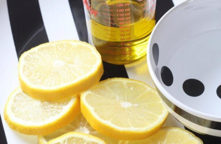 Θα χρειαστείτε λεμόνι, νερό και ελαιόλαδο