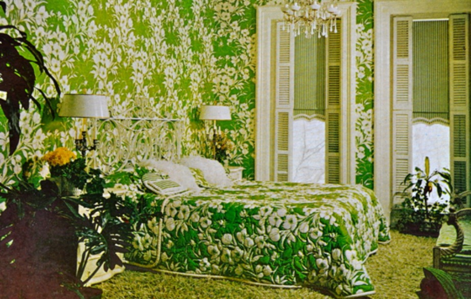 Τη δεκαετία του 70 χρησιμοποιούνταν ταπετσαρίες σε όλους τους τοίχους κάθε δωματίου