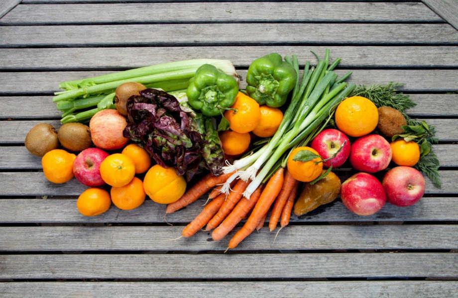 Γίνεται το σφουγγάρι για πιάτα να κρατάει τα λαχανικά και τα φρούτα σας φρέσκα; Κι όμως γίνεται!