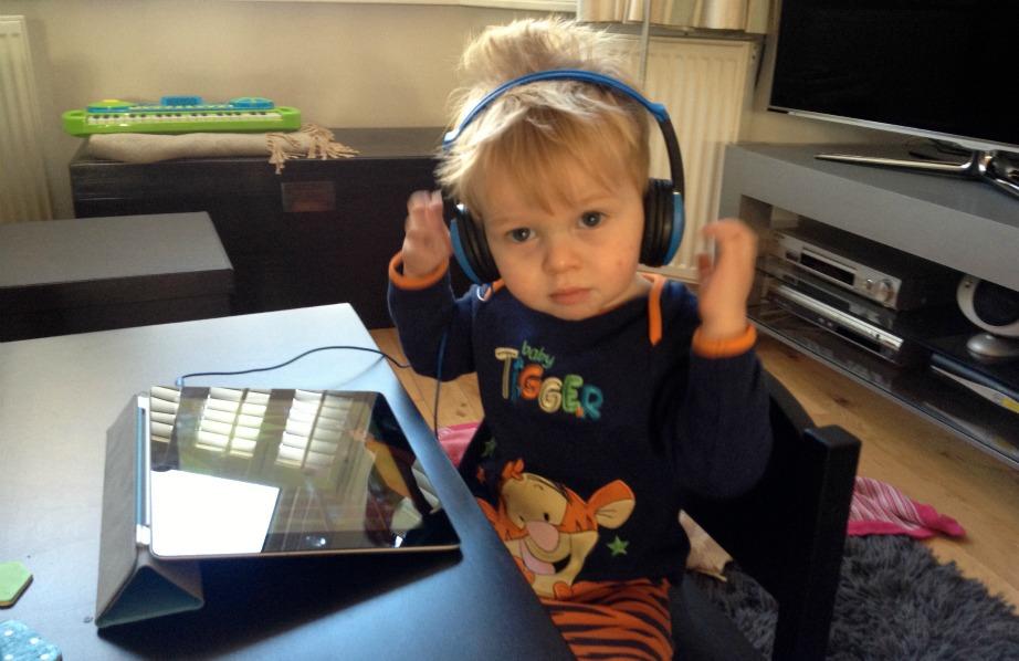 Βάλτε κωδικούς στις ηλεκτρονικές συσκευές για να μην μπορούν να τις χρησιμοποιήσουν χωρίς έλεγχο τα παιδιά σας