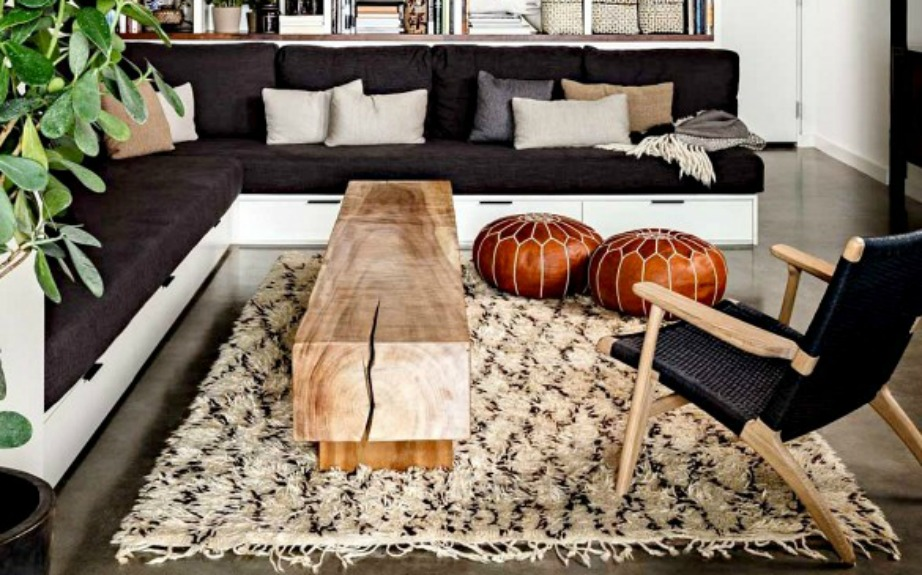 Το παγκάκι μπορεί να χρησιμοποιηθεί ως τραπέζι, κάθισμα ή σαν ράφι για να βάλετε βιβλία και άλλα διακοσμητικά
