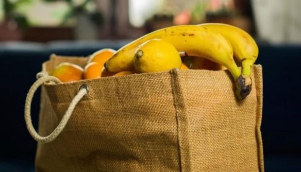 Η Απίστευτη Έρευνα που Αποκαλύπτει το πώς η Τσάντα σας Επηρεάζει τα Ψώνια σας
