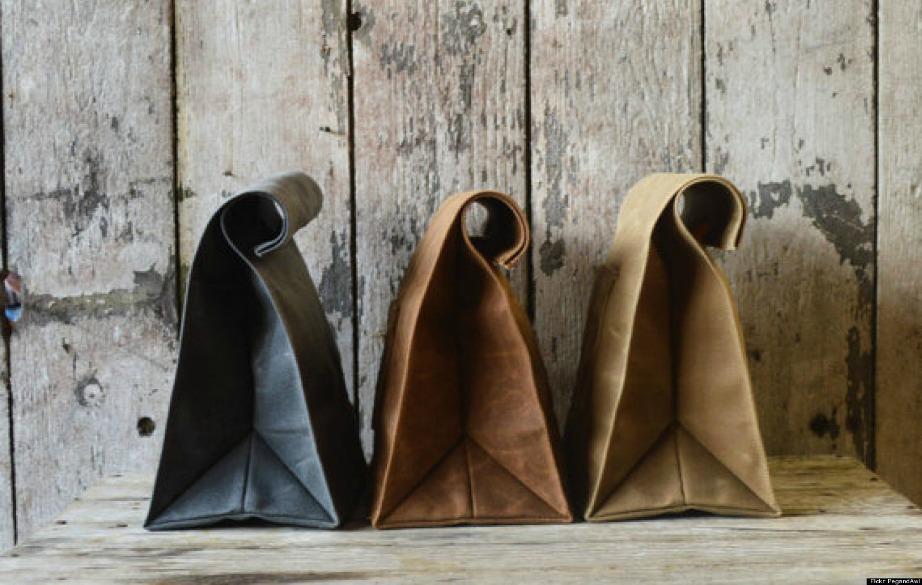 Οι άνθρωποι που κουβαλάνε οικολογικές τσάντες ψωνίζουν τόσο βιολογικά προιόντα όσο και junk τροφές