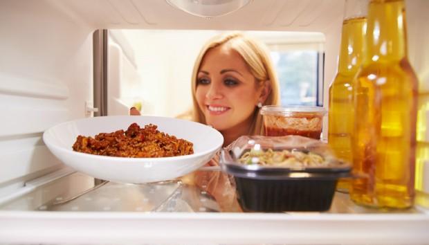Σας Περίσσεψε Φαγητό; Εκμεταλλευτείτε το με τον Χρήσιμο Κανόνα των 2 Ωρών!