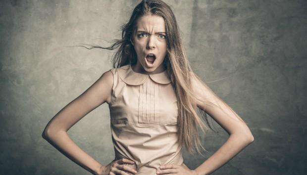 7 Πράγματα που Κάνουν οι Γυναίκες & Εκνευρίζουν τους Άντρες