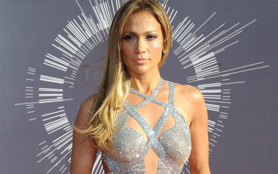 Το ροδακινί είναι ένα από τα αγαπημένα χρώματα της Jennifer Lopez.