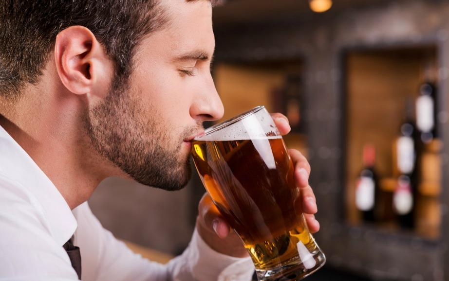 Όταν πίνετε αλκοόλ γίνεστε ξερολούκουμο στα μάτια των κουνουπιών, ενώ όταν τρώτε σκόρδο τα απωθείτε.