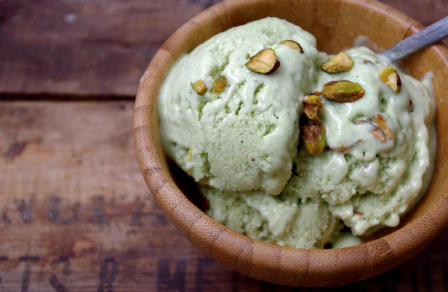 Απολαύστε ελεύθερα παγωτό (και) στη δίαιτα επιλέγοντας τη light εκδοχή του.