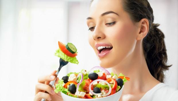 Αυτά είναι τα 7 Πράγματα που ΔΕΝ πρέπει να Κάνετε αμέσως Μετά το Φαγητό!
