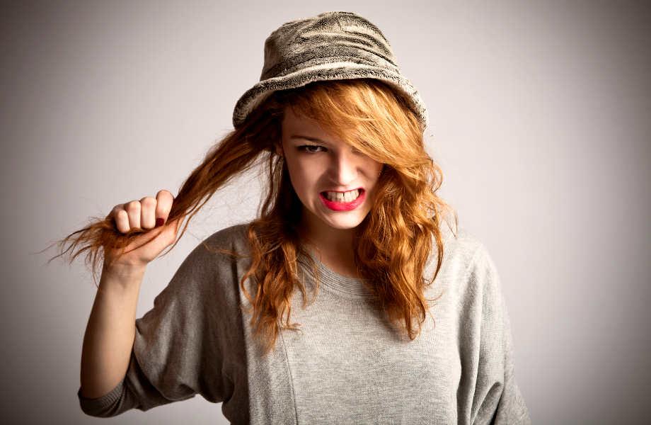 Ό,τι και να σας είπε, δεν υπάρχει κανένας καλός λόγος να τραβάτε τα μαλλιά σας...για το αφεντικό σας.