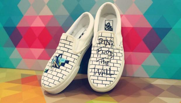 Πανεύκολο DIY για Παιδιά: Ζωγραφίστε τα Πάνινα Παπούτσια!