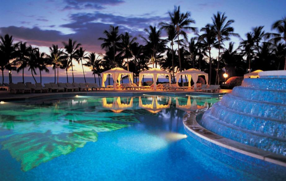 Το ξενοδοχείο αυτό στη Χαβάη διαθέτει 9 τεράστιες πισίνες.
