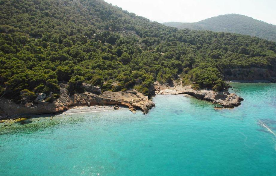 Στο Αγκίστρια θα βρείτε μερικές υπέροχες παραλίες.
