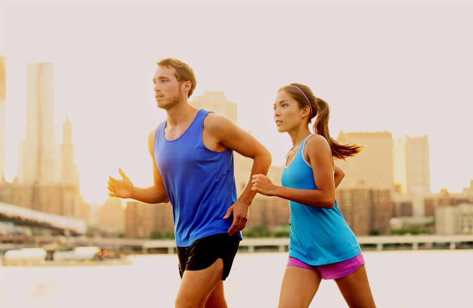 Κι όμως η άσκηση με κάποιον φίλο σας ή το άλλο σας μισό είναι πιο αποδοτική και διασκεδαστική από όσο νομίζετε!