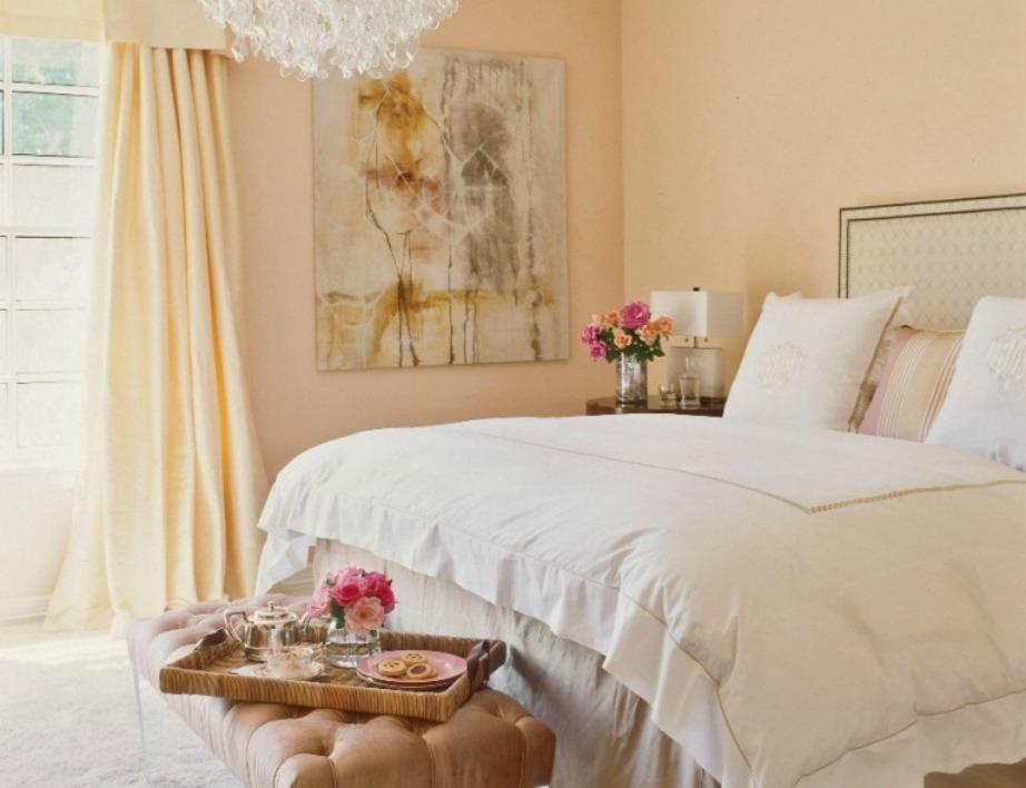 Το ρομαντικό δωμάτιο της Jennifer Lopez είναι σε παλ αποχρώσεις.
