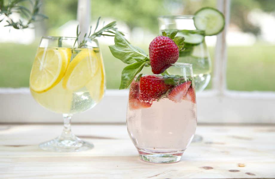 Τα καλαμάκια σας βοηθούν να δώσετε άλλη γεύση στο νερό σας!