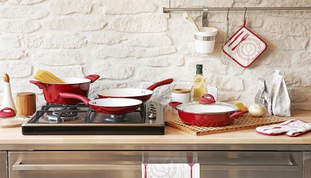 Ο Σίγουρος Τρόπος για να Καθαρίσετε Εύκολα το Καμμένο Φαγητό Από τα Σκεύη Κουζίνας