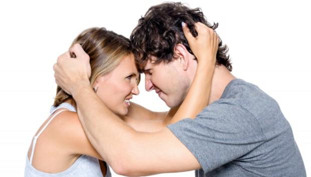 4 τρόποι να Καταλάβετε ότι Κάποιος σας Αντιπαθεί