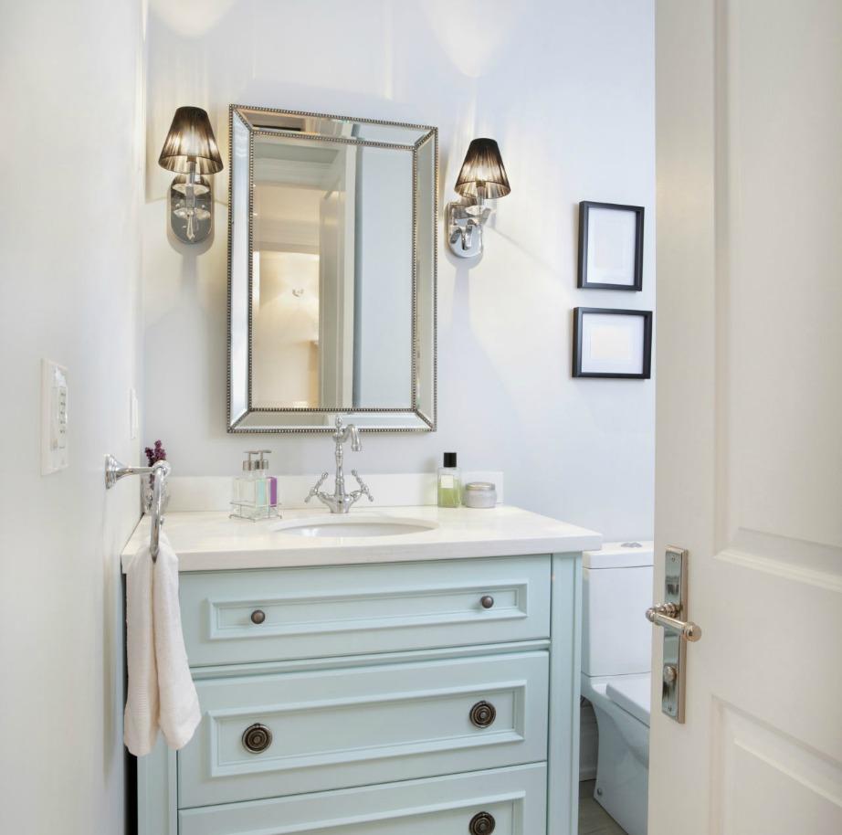 Όσο πιο τακτοποιημένο είναι το μπάνιο σας τόσο πιο πολύ καιρό θα διατηρείται καθαρό.