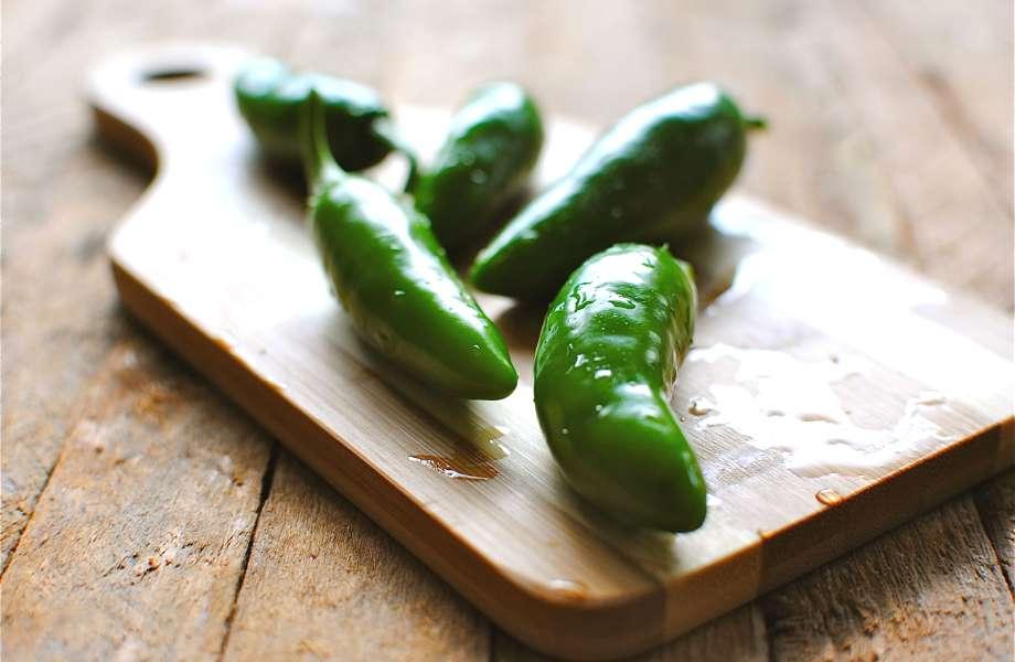 Μερικοί το προτιμούν καυτό: αν σας αρέσουν οι πικάντικες γεύσεις, προσθέστε στο μείγμα σας 1-2 πιπεριές jalapeno.