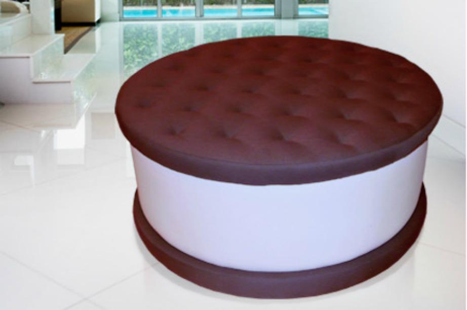 Ένα γιγαντιαίο μπισκότο-σκαμπό για όλους εσάς που λατρεύετε τα γλυκά.