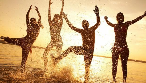 5 Πράγματα που θα Μπορούσαν να σας Γεμίσουν με Ευτυχία Μέσα σε Ένα Βράδυ
