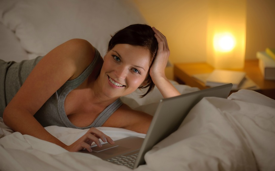 Αν θέλετε πιο ήρεμο ύπνο τότε αφήστε μακριά από το κρεβάτι οποιοδήποτε τεχνολογικό μέσο.
