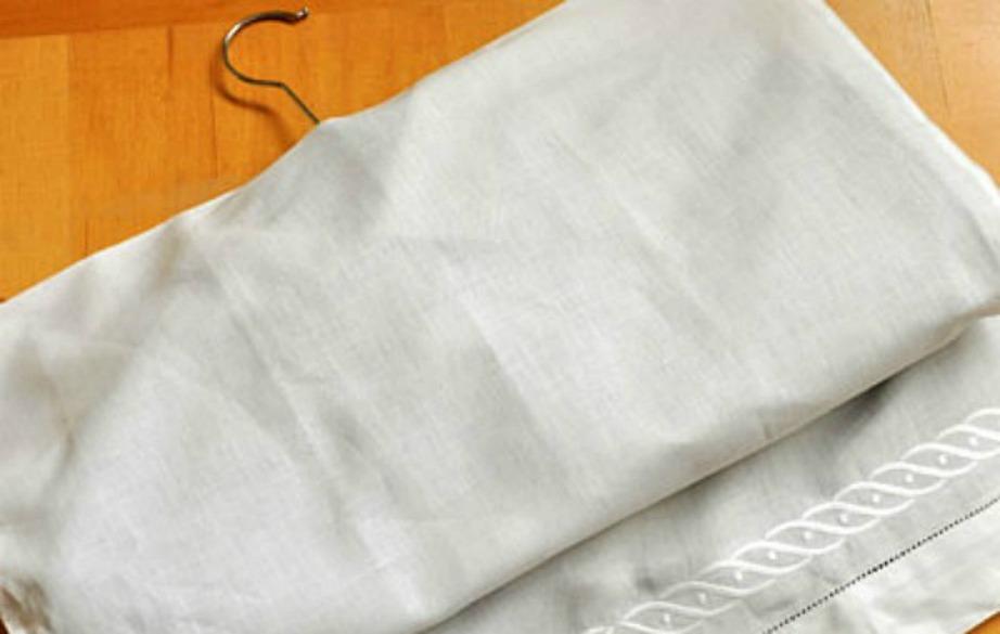 Μπορείτε πανεύκολα να φτιάξετε προστατευτικά για τα ρούχα σας.