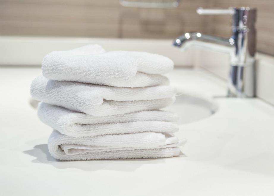 Αλλάξτε μόνο τις πετσέτες χεριών αν περιμένετε καλεσμένους.
