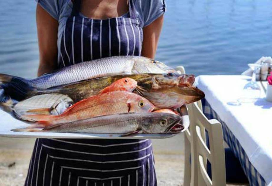 Στην ταβέρνα 'Τα Κύματα' θα απολαύσετε τα πιο φρέσκα και νόστιμα ψάρια.