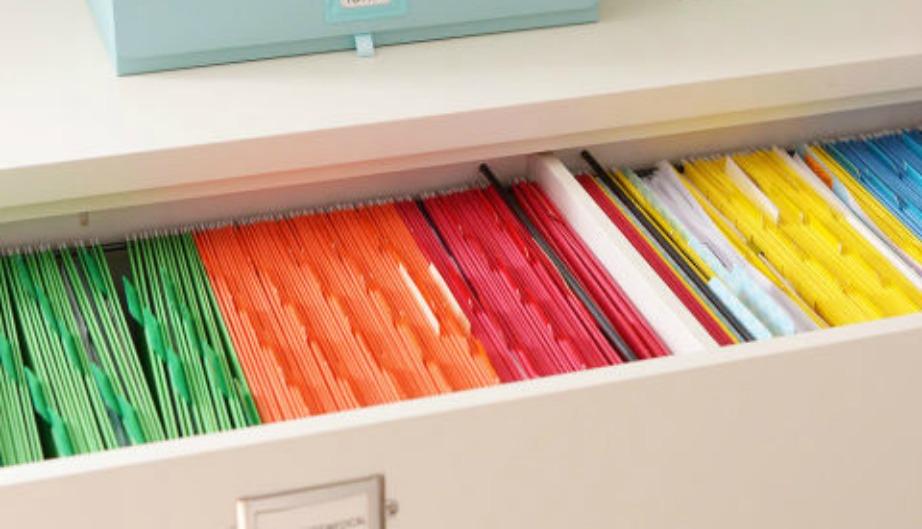 Οργανώστε τα έγγραφά σας σε χρωματιστούς φακέλους.