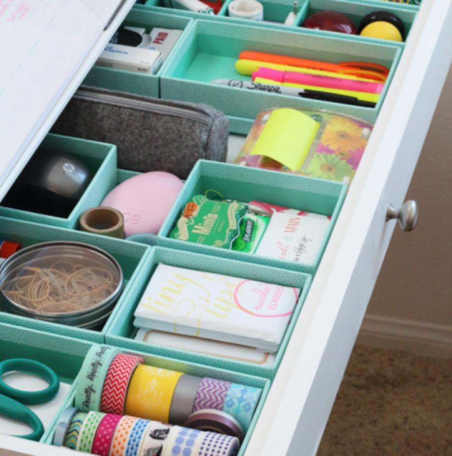 Δείτε πόσο οργανωμένο αλλά και όμορφο δείχνει αυτό το συρτάρι.