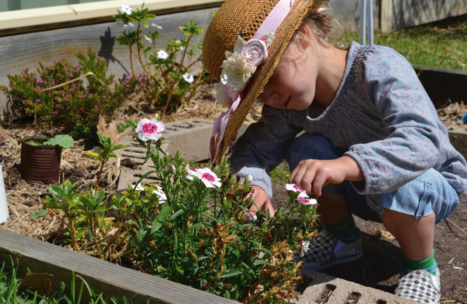 Δώστε στα παιδάκια σας το ελεύθερο να ασχοληθούν με την κηπουρική.