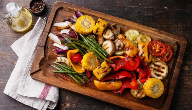 9 Τροφές που δεν Ξέρατε ότι Μπορείτε να Ψήσετε στο Γκριλ