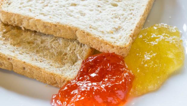 Ψωμί ή γλυκό: Tελικά τι Παχαίνει Περισσότερο;