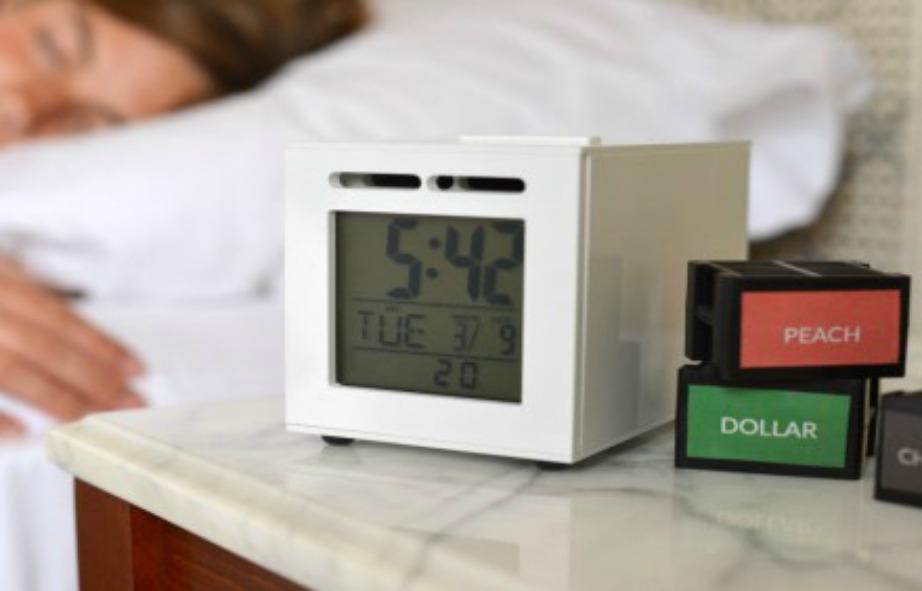 Ουσιαστικά μαζί με το ξυπνητήρι παίρνετε ξεχωριστά και τις μυρωδιές που θέλετε να σας ξυπνούν.