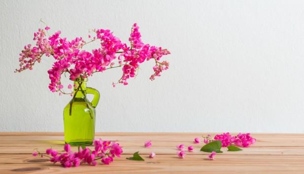 Χρωματιστό DIY: Φτιάξτε Πανέμορφα Καλοκαιρινά Βάζα Χωρίς να Ξοδέψετε Σχεδόν Τίποτα!