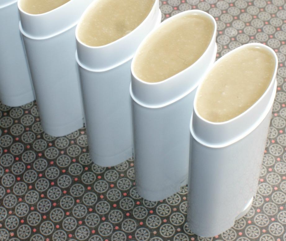 Αν προτιμάτε τα αποσμητικά σε μορφή roll-on τότε υπάρχει εύκολη συνταγή και για εσάς.