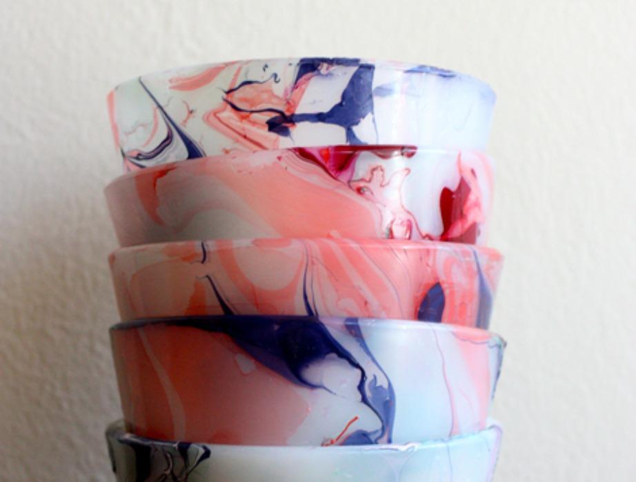 Μα δεν είναι υπέροχα αυτά τα μπολάκια και τα νερά που δημιουργήθηκαν με απλά χρωματιστά μανό;