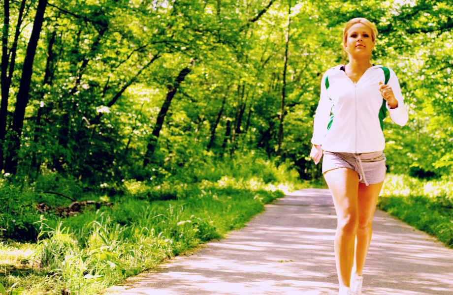 Εργασία και χαρά; Ναι, αν περπατήσετε λίγο πριν πάτε γραφείο!