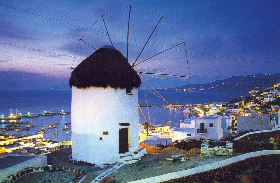 Η Αντίπαρος είναι ένα νησί με εκπληκτικές ομορφιές που προσφέρει ηρεμία και χαλάρωση στον επισκέπτη.