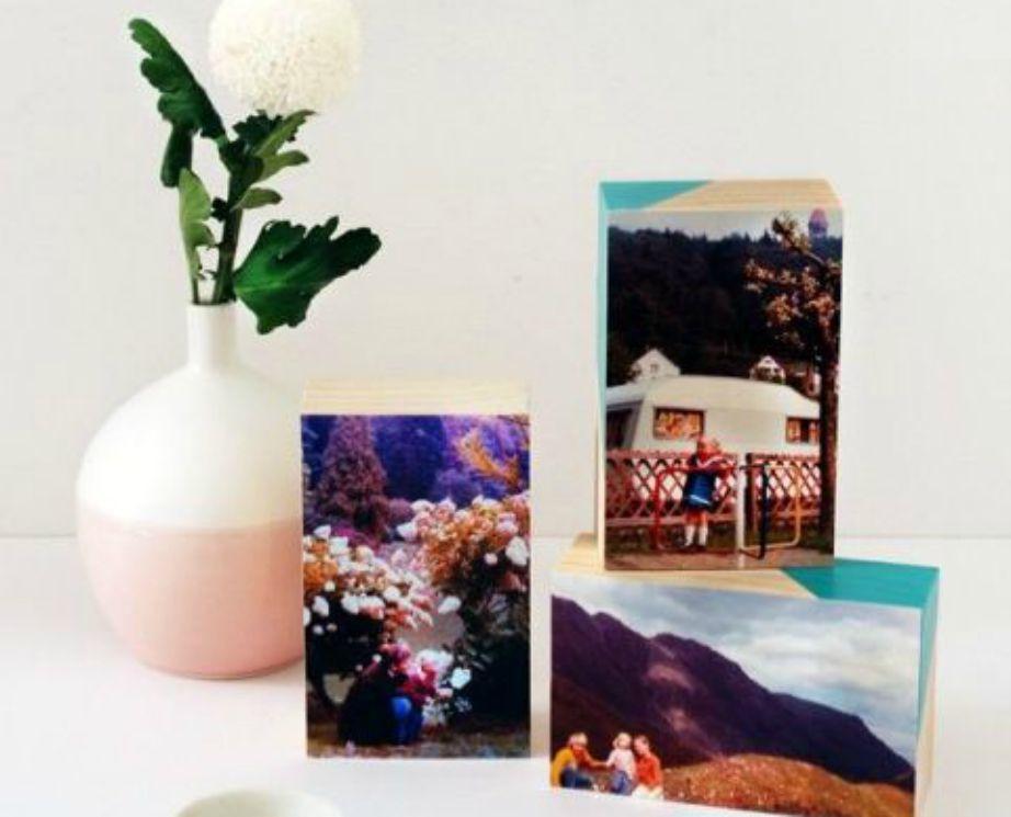 Η διακόσμηση με φωτογραφίες τυπωμένες πάνω σε κύβους και παραλληλεπίπεδα ταιριάζει πολύ και σε παιδικά δωμάτια.